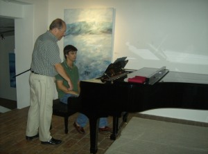 Paul Crossley and Pedro Ferro discussing Schumann